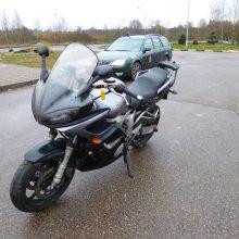 Su siuntomis keliavo ir vogtas motociklas