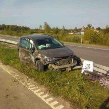 Kelyje sprogus padangai – suknežinti automobiliai