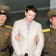 Šiaurės Korėjos paleistas JAV studentas – komoje