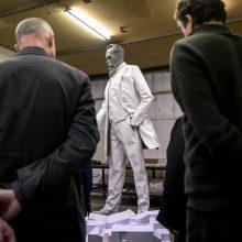 Šimtmečio proga dirbtuvėse gimsta paminklas J. Basanavičiui