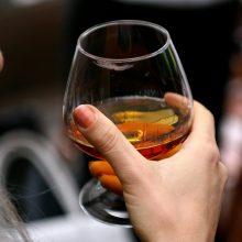 Sutikę gydytis nuo alkoholizmo atsakomybės neišvengs