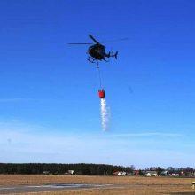 Gaisras Rūdninkų girioje užgesintas sraigtasparnio pagalba <span style=color:red;>(vaizdo įrašas)</span>