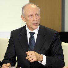 Dėl piktnaudžiavimo išteisintas VLK vadovas grąžinamas į pareigas