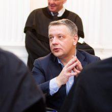 Teismas pratęsė areštą iš E. Masiulio per kratą paimtiems pinigams