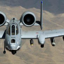 Į Estiją pratyboms atskrido JAV šturmo lėktuvų ir sraigtasparnių