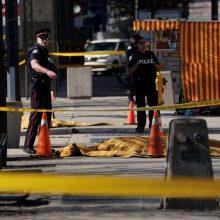 Toronte per išpuolį mikroautobusui įsirėžus į pėsčiuosius žuvo 10 žmonių