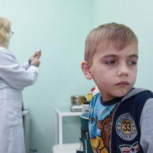 Plintant tymams, Seime – siūlymas skiepyti vaikus privalomai