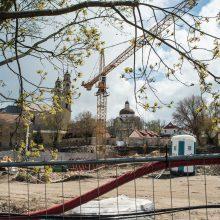 Ginčas netyla: inspekcija vėl kreipėsi į teismą dėl statybų prie vienuolyno