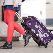 Paauglę autobusų stotyje sumušė ir apvogė keturios merginos