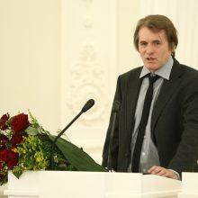 Priekabiavimu apkaltintas J. Gasiūnas pamalonintas valstybine pensija