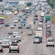 Ar žinojote, kad įkaitęs asfaltas toks pat slidus kaip ir apledėjęs?