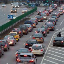 """""""Regitra"""": netinkami manevrai kelyje gali supykdyti kitus vairuotojus"""
