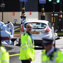 Išpuolį Londone įvykdžiusiam vyrui pareikšti kaltinimai pasikėsinimu nužudyti