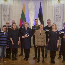 Estijai – originalus šimtmečio sveikinimas: uždainavo ir prezidentė