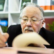 Prof. V. Landsbergis: Knygų mugė yra Lietuvos gyvybės ženklas