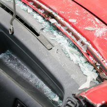 Vilniuje susidūrė keli automobiliai, nukentėjo moteris