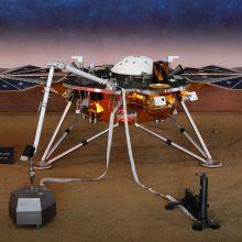 NASA sėkmingai nutupdė Marso seisminį aktyvumą tirsiantį zondą