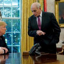 D. Trumpas: Baltųjų rūmų administracijos vadovas iki metų pabaigos atsistatydins