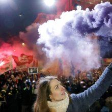 Vengrijoje ketvirtą dieną protestuota prieš viršvalandžių didinimą ir kitas problemas