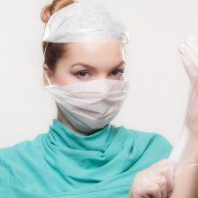 Gydytojas: populiarūs medicinos specialistai pridaro sunkiai atitaisomų bėdų