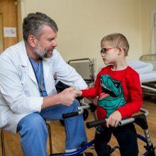 Vaikų mylimas profesorius E. Čekanauskas pacientų sveikatos būklės nedramatizuoja