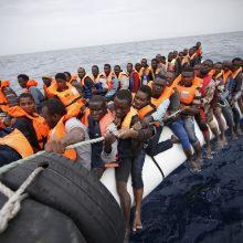 Nuskendus migrantus gabenusiam laivui dingo daugiau nei 100 žmonių