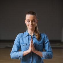 Jogos trenerė M. Jašinskytė pataria, kaip migreną įveikti sąmoningu kvėpavimu