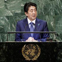 Japonijos premjeras sako norintis susitikti su Kim Jong Unu