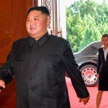 """Šiaurės Korėjos lyderis pastebėtas naujame """"Rolls-Royce"""""""