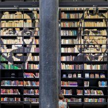 """Nacionalinėje bibliotekoje """"Pabudę iš knygų"""" Lietuvai nusipelniusių žmonių portretai"""