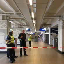 Incidentas Amsterdamo stotyje: užpuolikas subadė du žmones ir buvo pašautas