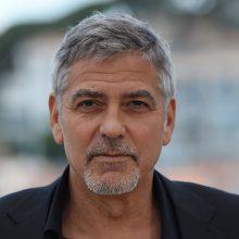 Aktorius G. Clooney`is po motociklo avarijos išrašytas iš ligoninės