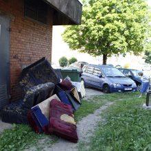 Nevalyvi kaimynai klaipėdiečius varo į neviltį