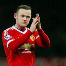 Neblaivus vairavęs futbolininkas W. Rooney dvejiems metams prarado teises