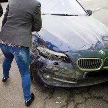 Neblaivi VSAT apskaitininkė su BMW sukėlė avariją