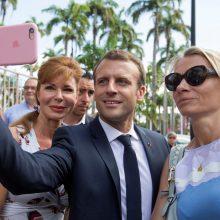 """Prancūzės prašo prezidento parengti """"atakos planą"""" prieš seksualinį smurtą"""