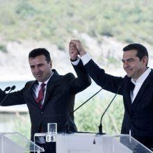 Atėnai ir Skopjė pasirašė istorinį susitarimą dėl Makedonijos pavadinimo keitimo