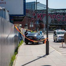 Kauno centre nesuvaldytas BMW partrenkė šaligatviu ėjusį paauglį