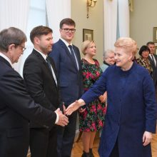 Seimas ėmėsi prezidentės pataisų mokytojų etatiniam apmokėjimui