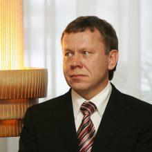 Dėl piktnaudžiavimo teisiamas Radviliškio meras kaltės nepripažįsta