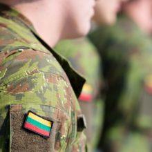 Karo akademijoje kariūnas pašovė kolegą