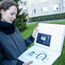 Apčiuopiama: menininkės archyvuose apstu jos ir bendraminčių darbų, įamžinusių Šilainių veidą.