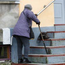 Kauniečiai sutrikę: nesulaukę pensijų negali ir prisiskambinti
