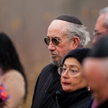 Vandžiogaloje atidarytas memorialas holokausto aukoms