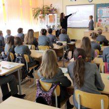 Įspėja: jei valdžia ir toliau snaus, Lietuva gali likti be mokytojų