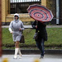 Savaitės orai: ruduo parodys savo blogąją pusę – siautės stichijos