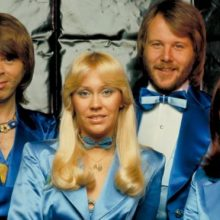ABBA grįžta į sceną