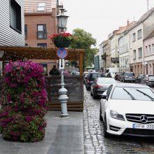 Klaipėdos senamiestyje esančiais pėsčiųjų takais – mašinomis