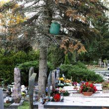 Virš kapo Lėbartuose – įtartina statinė