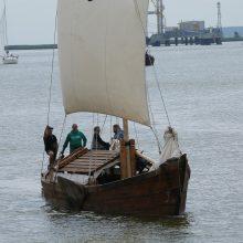 Po Lietuvą plinta istoriniai laivai